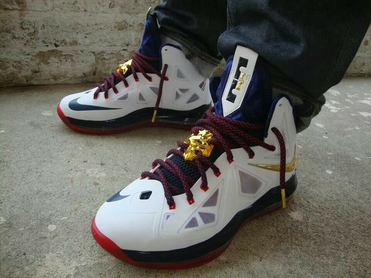 Lebron 11 Christmas Outfit 16 best images about l...