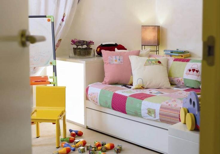 Los dormitorios infantiles deben ser espacios flexibles, con zonas donde jugar, estudiar y dormir.