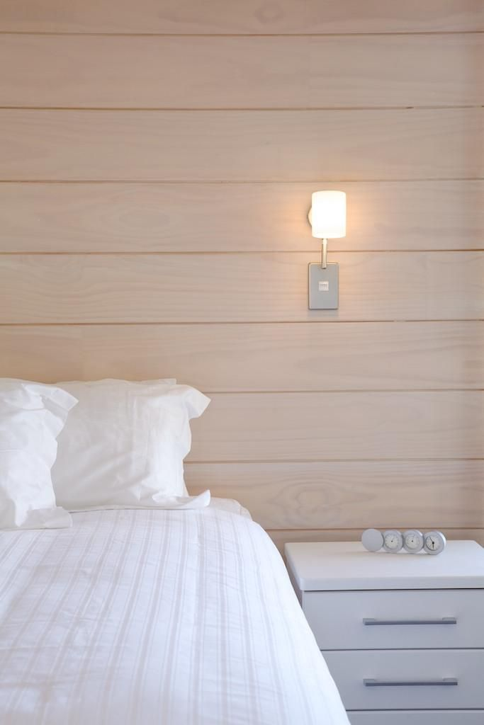 Simple bedroom decor is really all this room needs