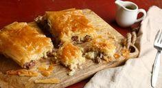 Η συγκεκριμένη πίτα, χαρακτηριστικό έδεσμα των Σερρών, μπορεί να αποτελέσει κυρίως γεύμα αν συνδυαστεί με μια σαλάτα ή λαχανικά. Αρκετά πλούσια σε σίδηρο, εξαιτίας του κρέατος, αλλά και σε νάτριο. Χρειάζεται προσοχή στο μέγεθος της μερίδας και στην επιλογή του φύλλου, που ιδανικά θα πρέπει να είναι σπιτικό.