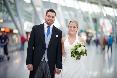 wedding photography at the airport is a very good bad weather option www.inlove-engaged-photographed.com