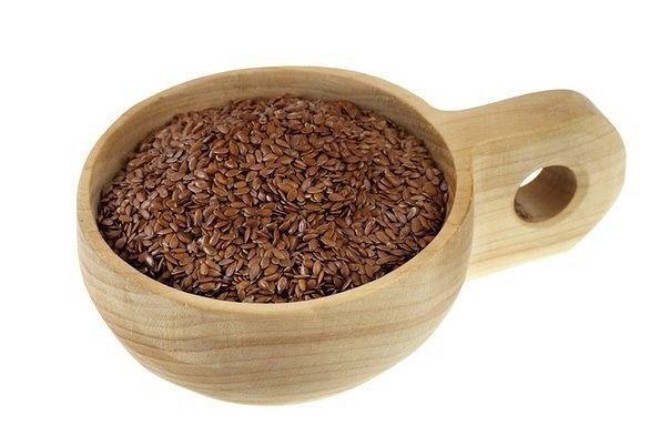 ЦЕЛЕБНЫЕ СВОЙСТВА ЛЬНА И РЕЦЕПТЫ ДЛЯ ПОХУДЕНИЯ    В семенах льна богатый состав макро-и микроэлементов (калий, кальций, магний, железо, марганец, медь, цинк, хром, алюминий, никель, йод, бор), семена льна концентрируют селен.    1. Холодный настой семян льна.  Мягко стимулирует желче-и мочеотделение, обладает слабительным и иммуностимулирующим действием. Может быть использован при пищевых отравлениях.    Принимают по 2-3 ст. ложки несколько раз в день маленькими глотками.    2. При…