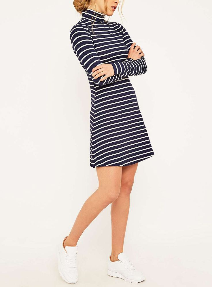URBAN OUTFITTERS - BDG || Navy striped turtleneck dress | Vestido cuello alto azul marino con rayas