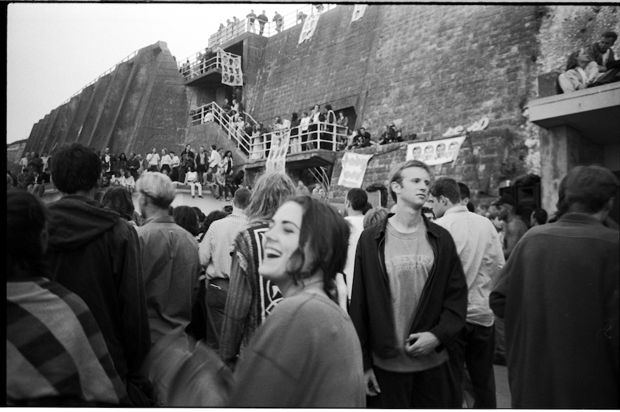Illegal Raves in Brighton 1994 © Stuart Griffiths Archive