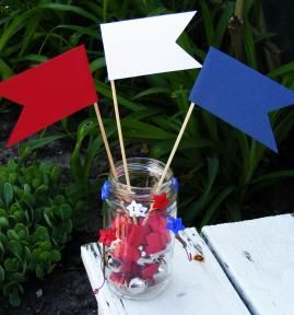 Create patriotic centerpieces that are perfect for a Memorial Day picnic or a 4th of July festival!