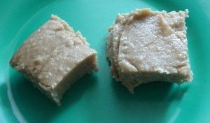 Easy Peanut butter fudge I love recipes with few ingredients and instructions....