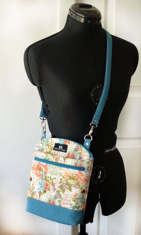 Designer Hipster Cross Body Bag Pattern PDF for by ChrisWDesigns