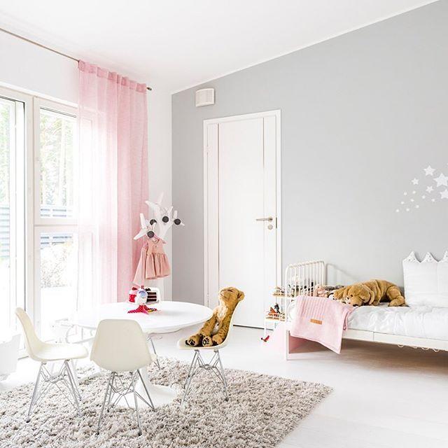 Lastenhuoneen hempeitä sävyjä #koti #omakotitalo #lammikivitalo #house #lastenhuone #lammikivitalot #wintercolors #paulaose www.lammi-kivitalot.fi