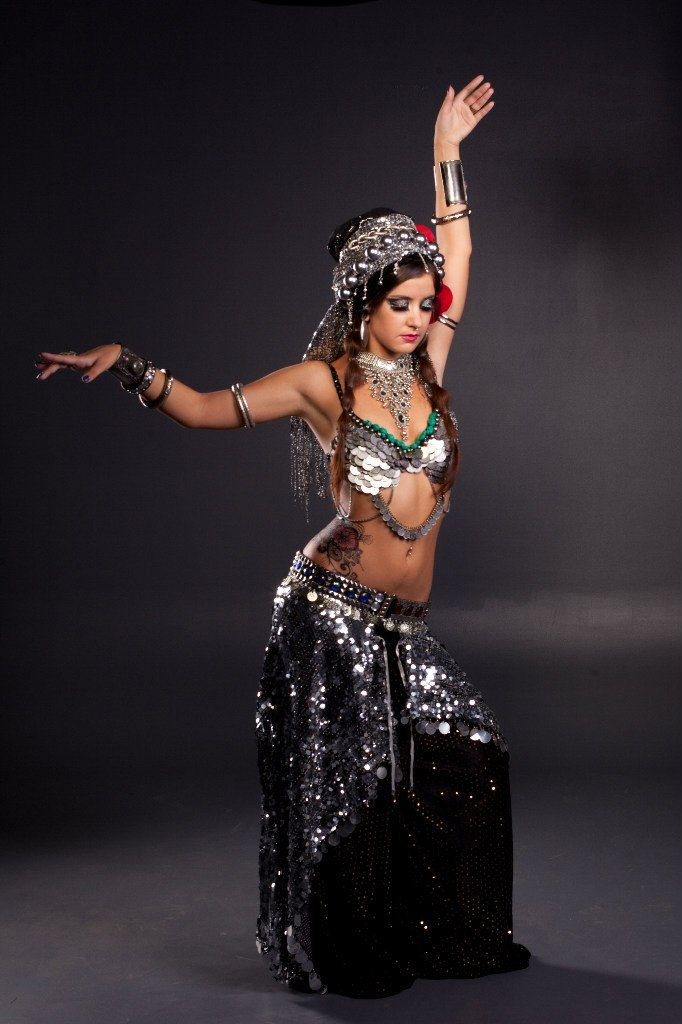 Monster strapon femdom topless belly dancer lissie belle, sexy dancing on solo female