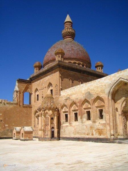 Дворец Исхак Паши – #Турция #Агры (#TR_04) Дворец Исхак Паши - шикарный объект в очень атмосферном месте!  ↳ http://ru.esosedi.org/TR/04/1000460572/dvorets_ishak_pashi/