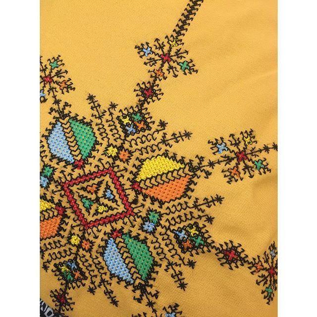 WEBSTA @ chabichicmorocco - Broderie magique de Fes ❤️💙💜💛💚 #chabichic #handmade #fez #traditional #morocco #embroidery #colorfull #gypsy #bohemian #interiordesign #napkin #tabletop