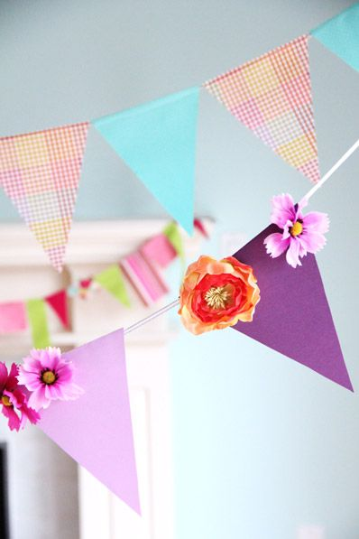 DIY: Bunting, Three ways - a tutorial - I like the flowers added
