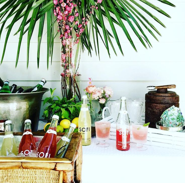 That time we celebrated at a baby soirée. . #brunchcocktails #allnatural #hellosofi