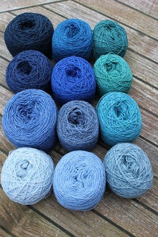Lammeuld strikkegarn Blå Grøn Garn pakke uden strikkeopskrift