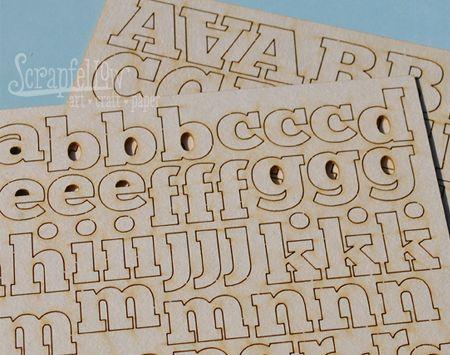 Natúr chipboard betűkészlet. Paraméterek: Egy A5 ív nagybetűk, egy A5 ív kisbetűk Sav és ligninmentes karton 2 x A5 méret, lapcsomagolás