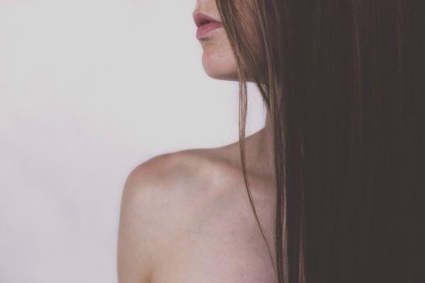 Die richtige Art und Weise bürsten Sie Ihre Haare entsprechend Ihrer Textur