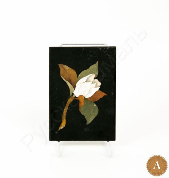Мозаичное панно с изображением цветка магнолии