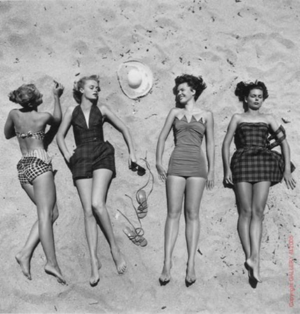 Experienced coquette - a girl from the 50's | JV Fashion you can wear - Author Workshop women's shirts and accessories