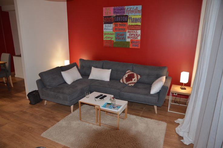 relooking salon rouge, canapé Alinéa Icone