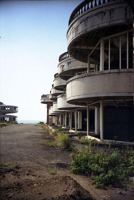 resort ghost town