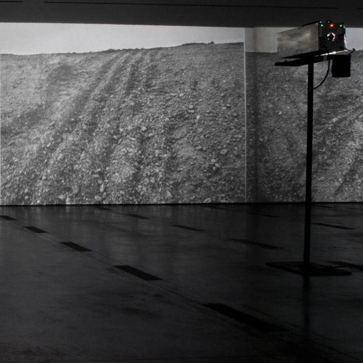 Michael Heizer: Actual Size: Munich Rotary, 1970. Installation.