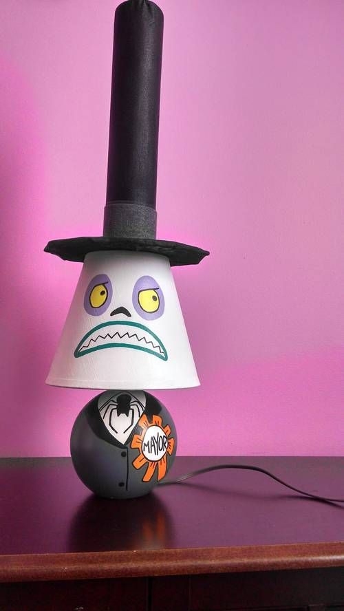Nightmare before Christmas Mayor lamp, face two.