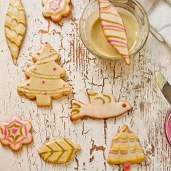 Green Tea Icing for Naturally Beautiful Holiday Cookies
