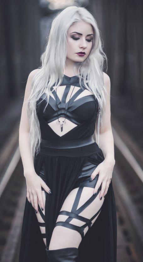 23ef74005b2 Pretty goth Women39s Gothic Fashion in 2019 t Gothic