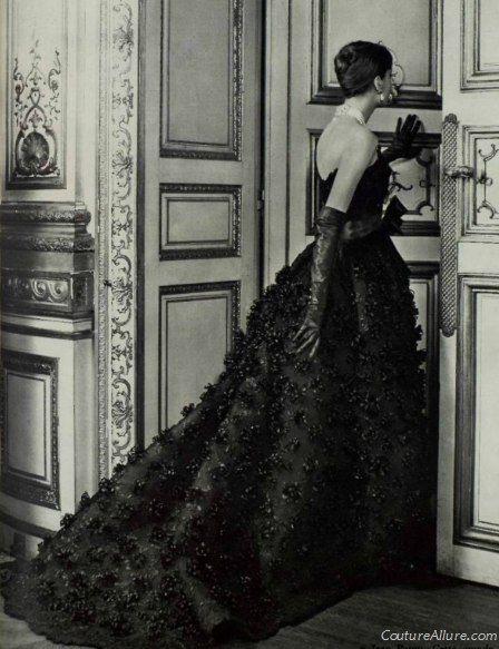 Dress by Jean Patou, 1957.