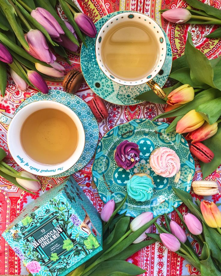 Blissing out over @meanderingmacaron vibrant tea spread!
