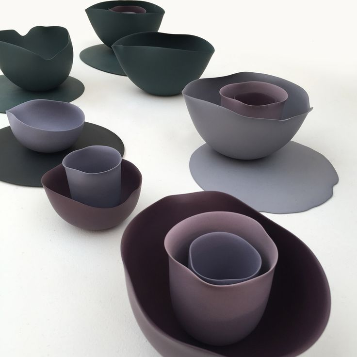 Ceramic artist Seo-Yeon Park based this collection of slip-cast porcelain tableware on the colours and forms seen in abstract paintings by American artist Georgia O'Keeffe