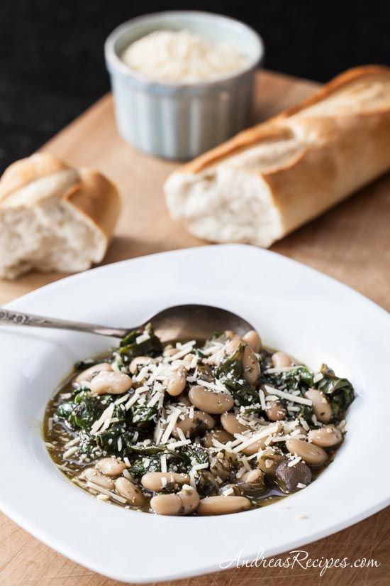 Tuscan Cannellini Beans with Mushrooms, Spinach, and Pesto