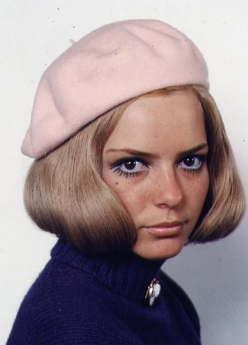 France Gall - pale pink beret, deep royal blue sweater / coat? with brooch, stunning eye makeup, pale lips, champaigne hair