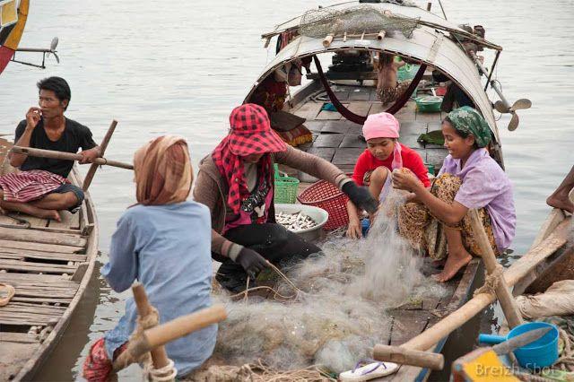 Retour de pêche sur le Mékong à Kampong Cham