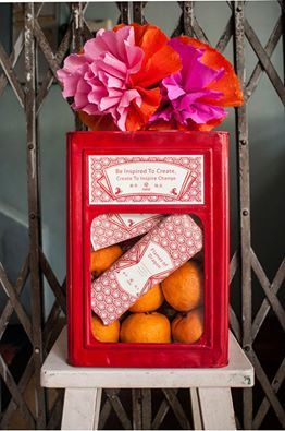 ... such an original idea for a Chinese New Year Hamper! From Naladesigns Malaysia.
