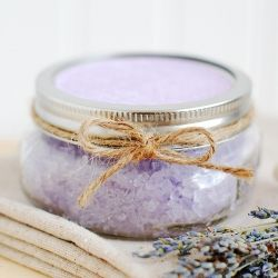 Homemade lavender bath salts - makes a great handmade gift!