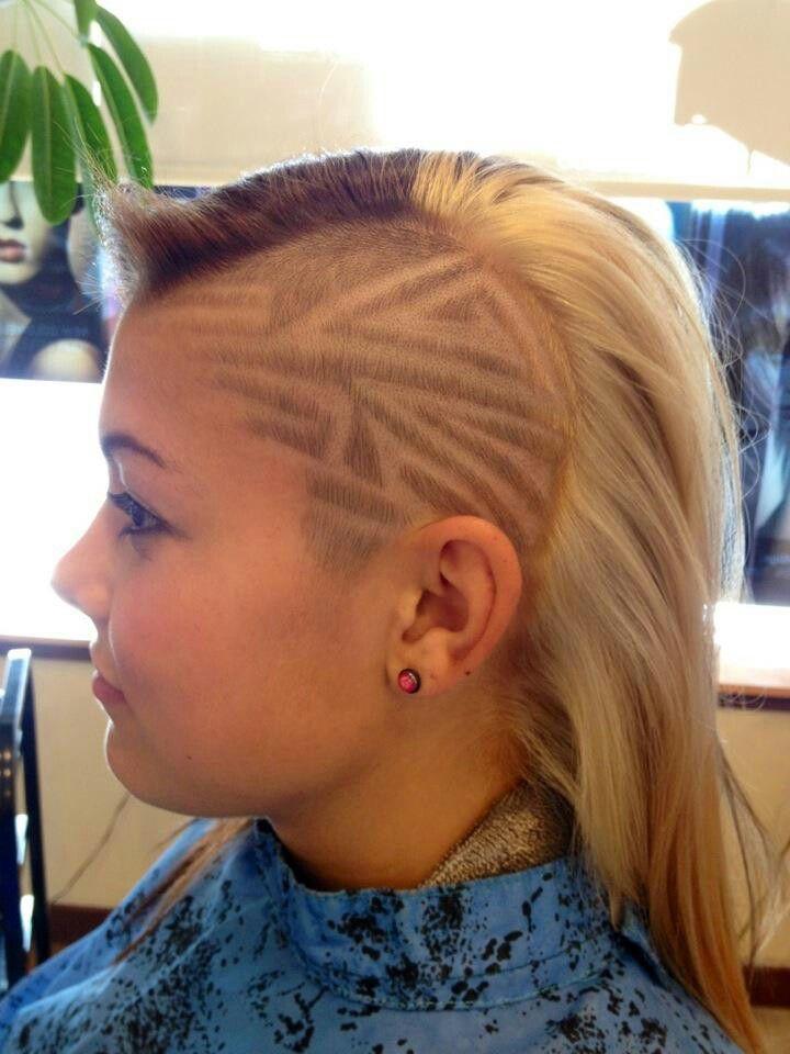 Hair tattoo design women hairtattoo line design for Tattoo hair line