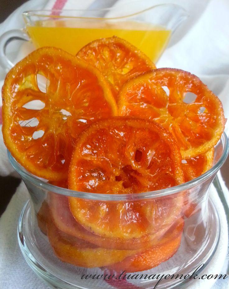 Malzemeler:  - 3-4 adet ince kabuklu,küçük mandalina  - 1 su bardağı toz şeker  - 1 su bardağı su  - 1 çay kaşığı limon s...