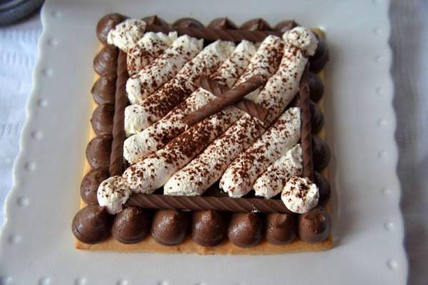 Sablé con Chantilly al Caramello e Cremoso al Cioccolato