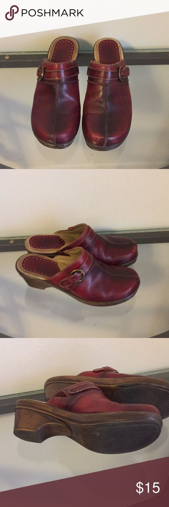 Bass shoes Bass shoes in excellent condition cranberry red color Bass Shoes Mules & Clogs