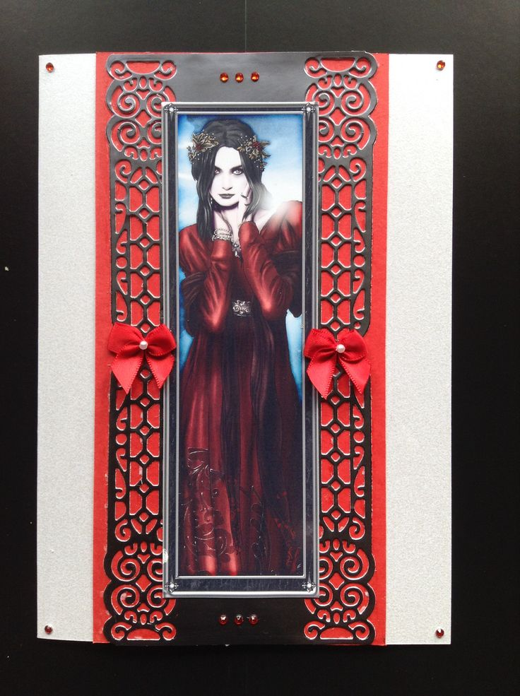 Beautiful gothic Xmas card in red.