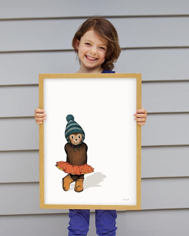 Beautiful Beau holding Blossom Bear! ❤ Beau was the inspiration for this cute little illustration. A ballerina princess bear with a sassy attitude. Perfectly sweet addition for bear lovers everywhere! . . . . .