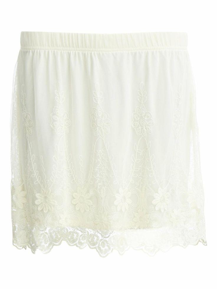 Feminine, lace Skirt with Lace #Vilaclothes #Vila #Lace