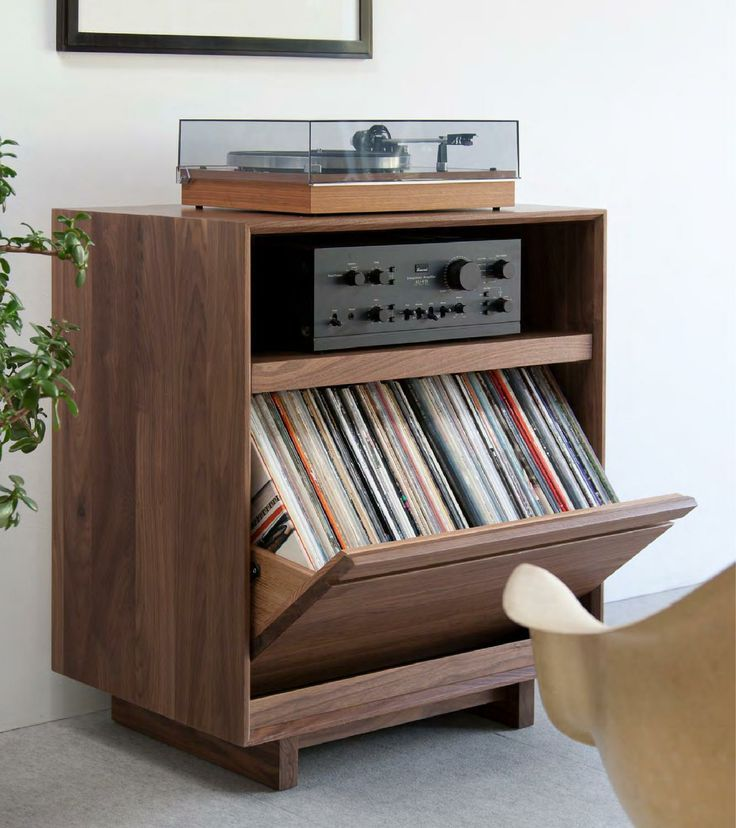 Great compact vinyl storage                                                                                                                                                                                 Mais