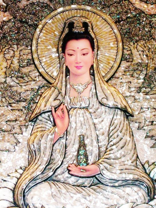 Quan Yin mosaic.Arielle Gabriel's new book is about miracles and her everyday life suffering financial ruin in Hong Kong The Goddess of Mercy & The Dept of Miracles, uniquely combines mysticism and realism *