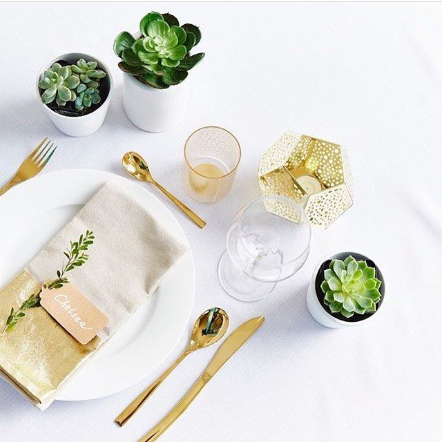 Always go for gold just like @iheartbargains :sparkles: Featuring our gold dipped napkin