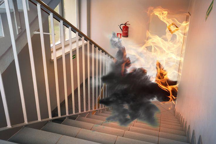 El aluminio no es inflamable y, por ello, ofrece mayor protección contra el fuego para que éste no pase a través de él, que otros materiales como el PVC. Por su parte, el vidrio es un material no combustible y dependiendo de sus características técnicas puede ser resistente al fuego durante más o menos minutos.
