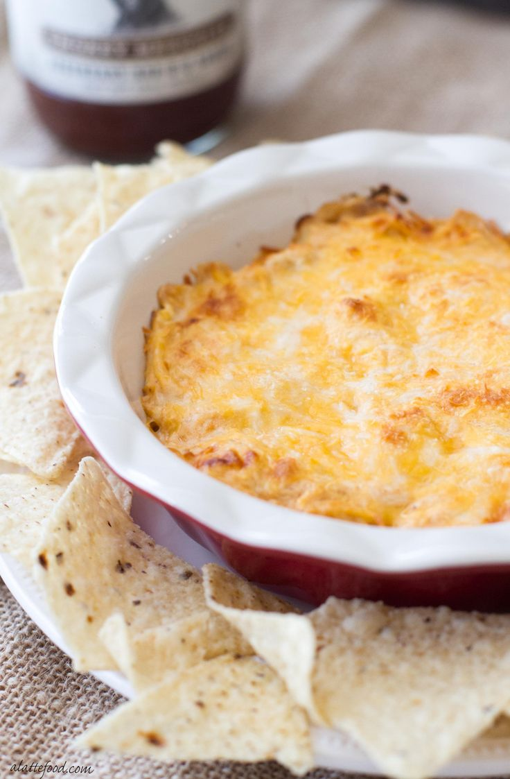 This cheesy barbecue chicken dip recipe is the perfect easy appetizer to bring to any tailgating party! Made with Foster Farms Fresh & Natural Chicken and Stubb's B-B-Q Sauce! ad LegendaryTailgate
