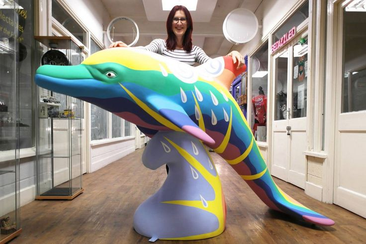 Liverpool artist in Aberdeen Wild Dolphin project: Sophie Green paints two dolphins for street art project