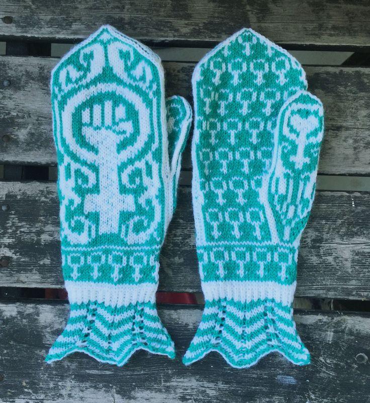 Hand knit feminist mittens Gudrun - white/jade green (480.00 SEK) by asfaltsflickandesign